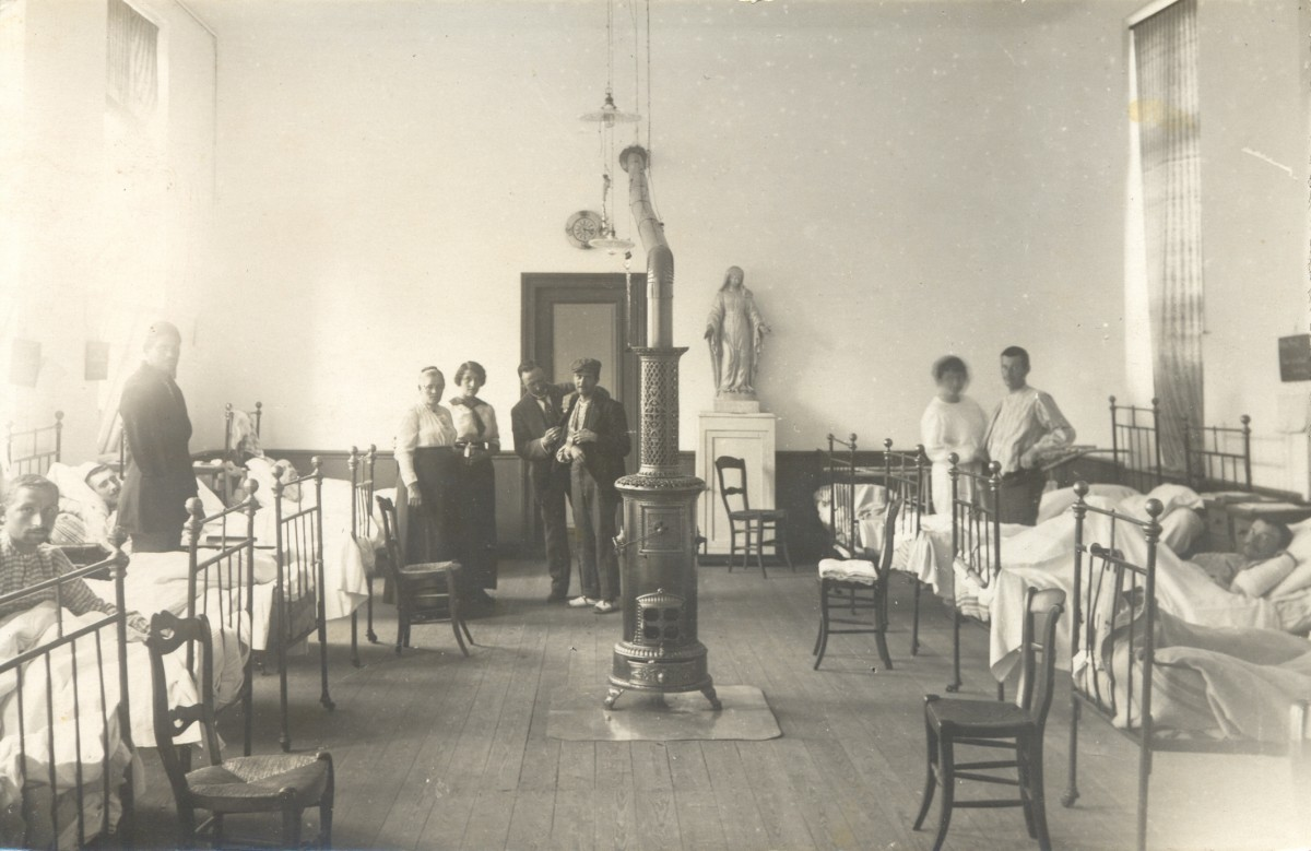 Hopital-Fontaine-l-Eveque-1914